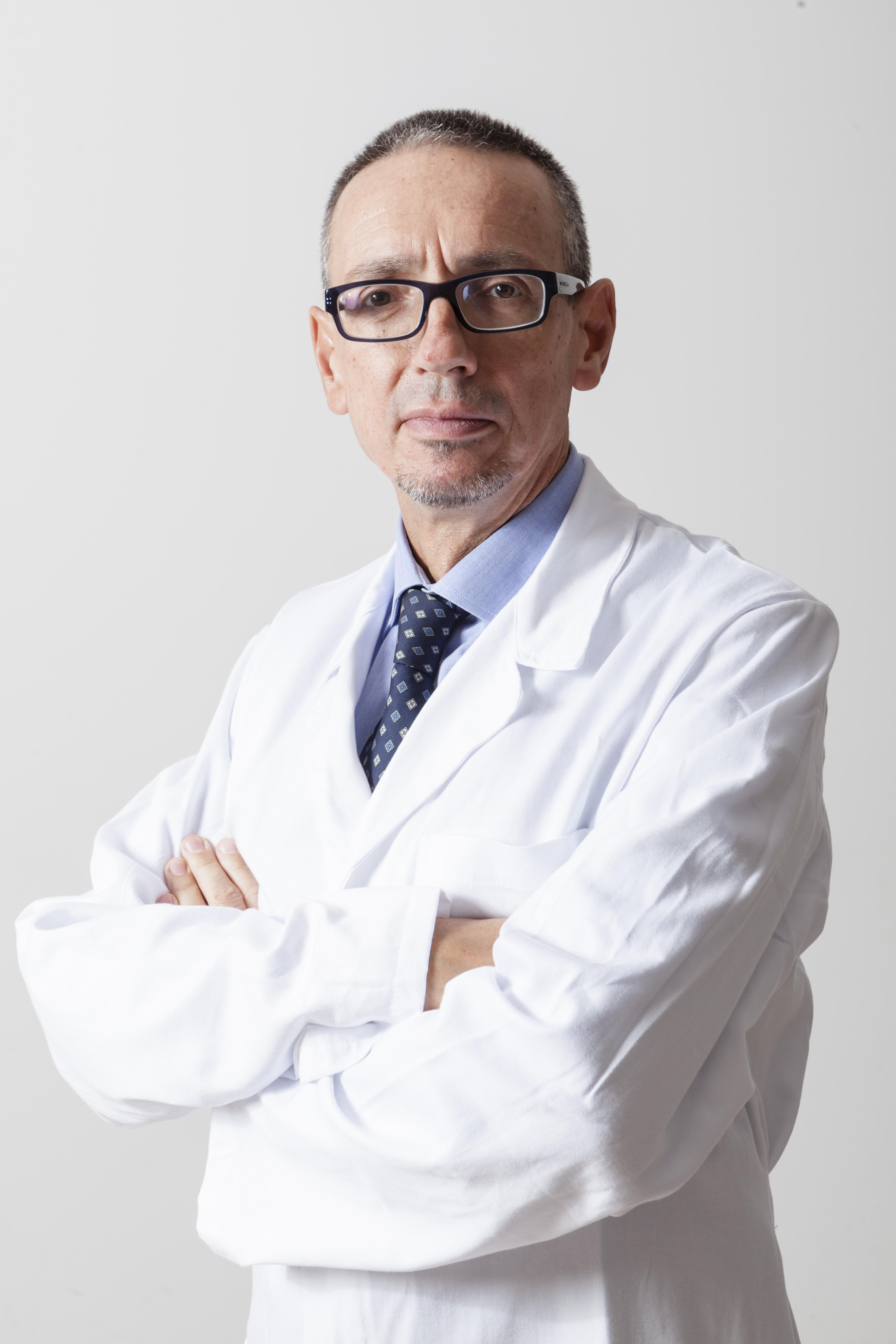 Il professor Ciro Esposito, responsabile della Nefrologia e della Emodialisi